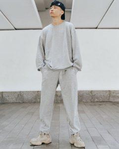 Áo sweater form rộng thoải mái được cả nam và nữ ưa chuộng