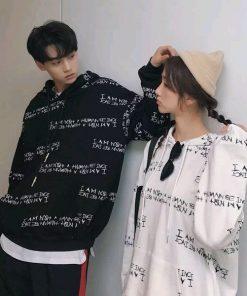 Áo hoodie nhiều chữ đầy cá tính dành cho các cặp đôi