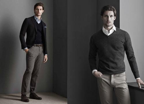 các chàng trai nên chọn màu trung tính cho chiếc áo sweatshirt để dễ dàng khi kết hợp với áo sơ mi