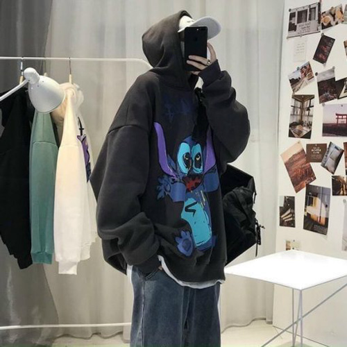 shop bán áo hoodie Hudi Store với họa tiết vô cùng trẻ trung và bắt mắt