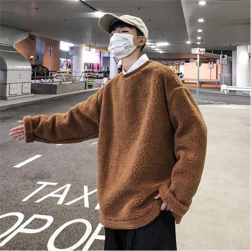 Áo Sweater là một item không còn quá xa lạ