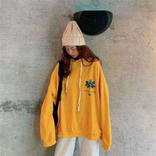 Áo hoodie chất liệu thun nỉ in họa tiết lá phong độc đáo cho các bạn nữ